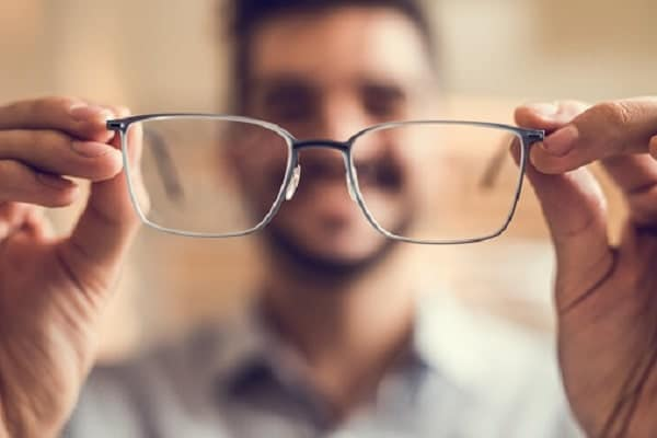 Insider tips to finding the perfect pair of eyeglasses online