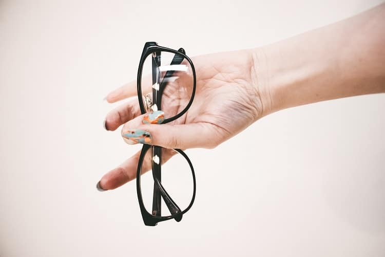 Can You Claim Your Eyeglasses on Your Taxes Canada?